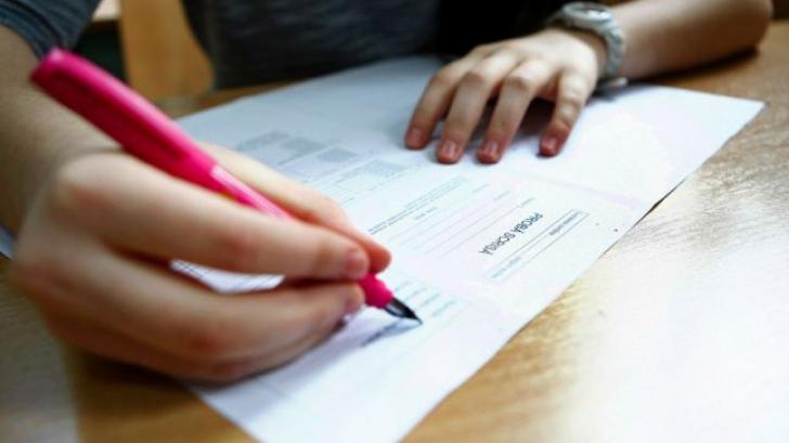 BACALAUREAT 2017. Absolvenţii de liceu susţin proba la alegere a profilului şi specializării