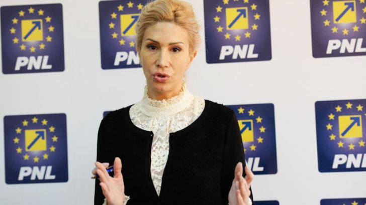 Disidenţii din PNL. Raluca Turcan anunţă că vor fi liberali care vor vota Legea Salarizării