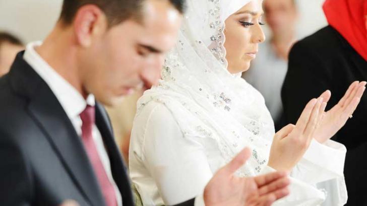 Ce fac musulmanii în dormitor în noaptea nunţii. Tradiţia şocantă