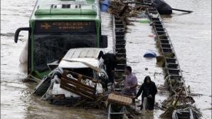 Furtună violentă la Istanbul: zece persoane au fost rănite şi traficul a fost paralizat