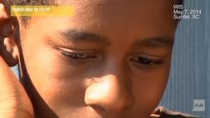 La 13 ani, a spus că vrea să fugă de acasă. Apoi i-a cerut poliţistului să-i verifice camera. Şoc!