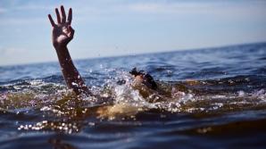Fratele lui geamăn de 13 ani a fost înghiţit de ape. Descoperirea şocantă a poliţiştilor din Iaşi