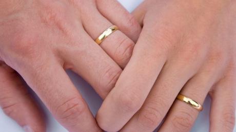 Devmob De Ce Se Poartă Verigheta Pe Degetul Inelar Iată Care Este