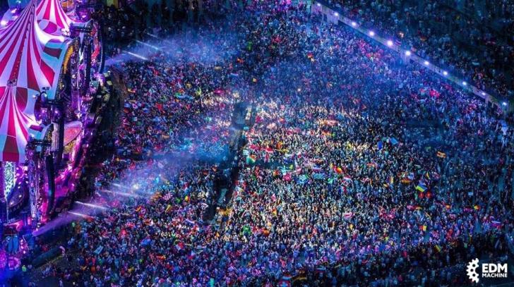 INCENDIU la un mare festival de muzică: peste 22.000 de persoane, EVACUATE. Scena a luat FOC!