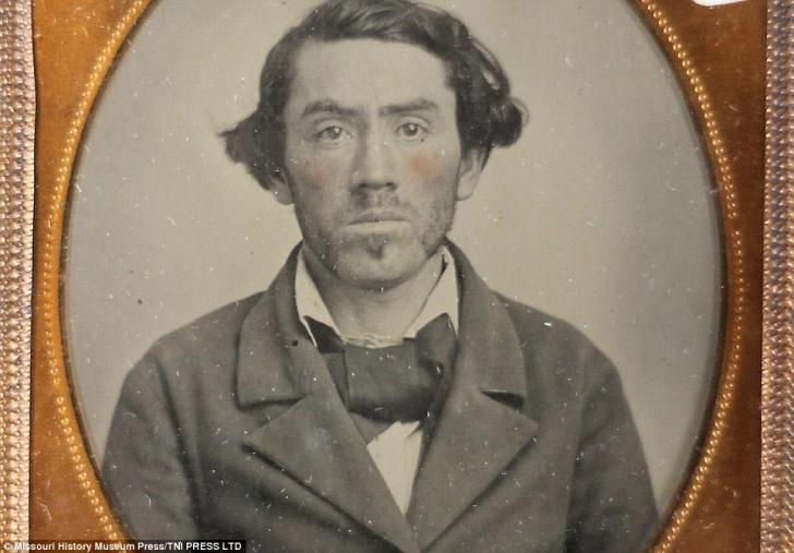 Ei sunt primii infractori pozați din istoria SUA. Imaginile sunt INCREDIBILE