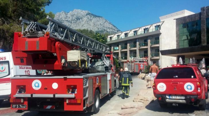 Incendiu într-un hotel din Antalya - sute de turişti, EVACUAŢI. Cel puţin 15 răniţi