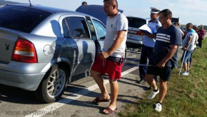 """Accident în lanţ, din cauza unui şofer """"cu nevoi"""". A tras pe dreapta, fără să bănuiască TRAGEDIA"""