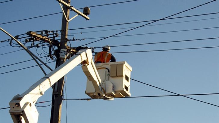Statul nu vrea să plafoneze prețurile la energia electrică