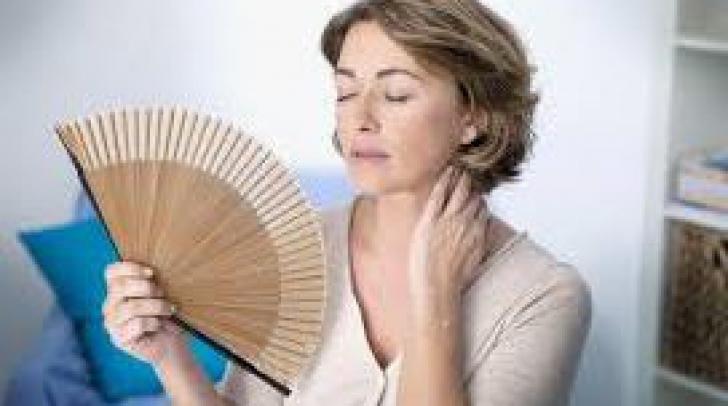 De ce apare menopauza precoce? Iată ce influențează acest proces