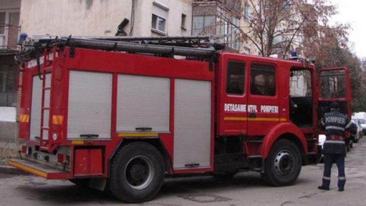 INCENDIU într-un bloc din Focşani: mai multe persoane au fost evacuate