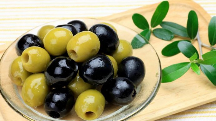 Măsline negre sau verzi? Iată care sunt recomandările nutriţioniştilor
