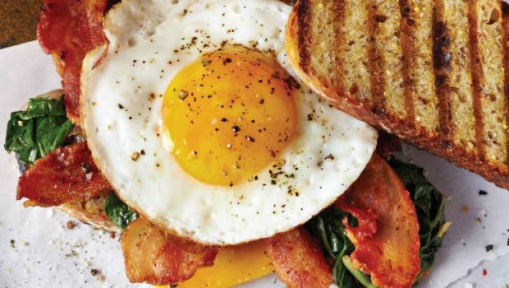 Ce mănâncă nutriționiștii dimineața