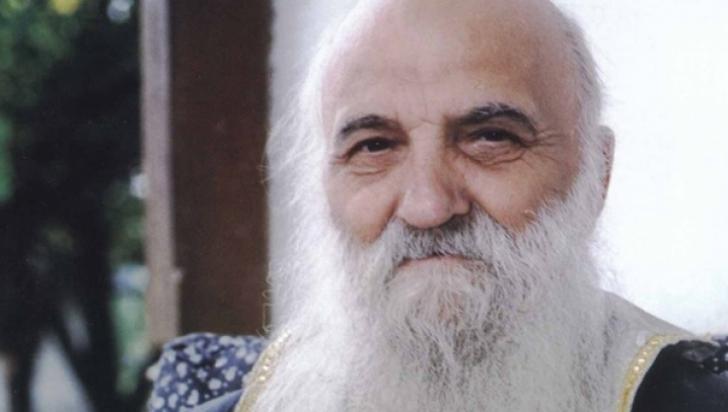 Profeţia părintelui Argatu: Jumătate de Bucureşti, sub dărâmături, jumătate în picioare, dar PUSTIU