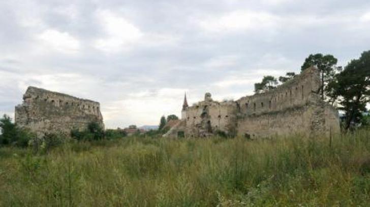 Brașov: Bărbat în comă după ce a căzut de la o înălțime de 3 metri, la Cetatea Feldioara
