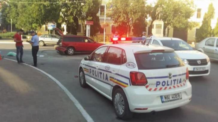 Scandal cu topoare în plin trafic. Polițiștii au intervenit cu pistoale