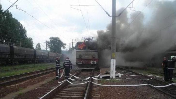 INCENDIU la locomotiva unui tren de persoane, în judeţul Dolj