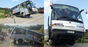 Accident cumplit în Tulcea: Un autocar cu aproape 40 de persoane la bord s-a răsturnat