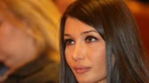 Elena Băsescu, apariţie şocantă! Are faţa plină de arsuri