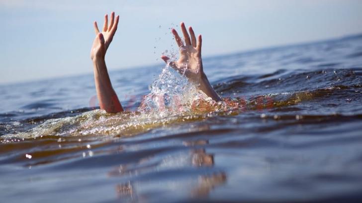Vieţi pierdute în valuri. OMS: 40 de oameni mor înecați în fiecare oră la nivel global