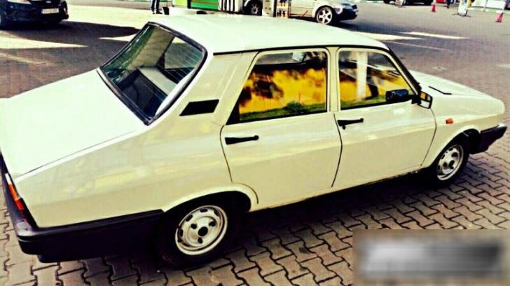 A găsit într-un garaj o Dacie 1310 nou-nouţă, fabricaţie 1994.S-a uitat în bord...ULUITOR ce-a văzut