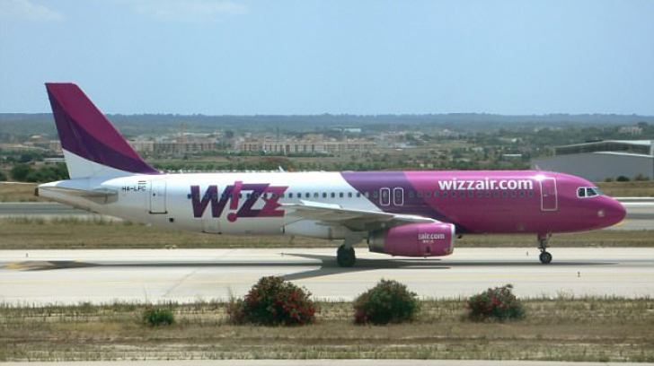 Zeci de britanici, blocați pe aeroportul Otopeni, după ce o cursă Wizz Air a fost anulată