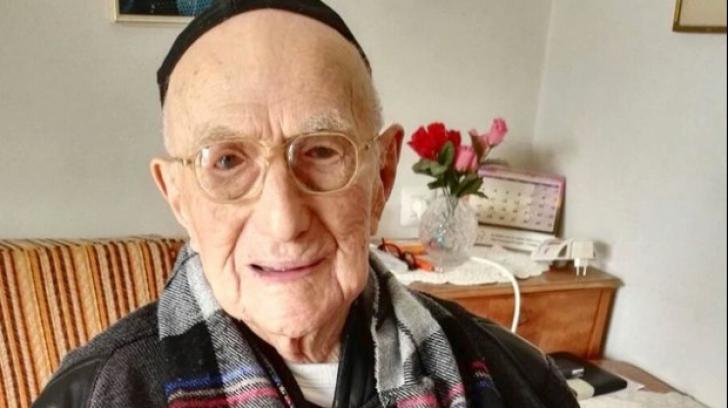 A murit cel mai bătrân om din lume!