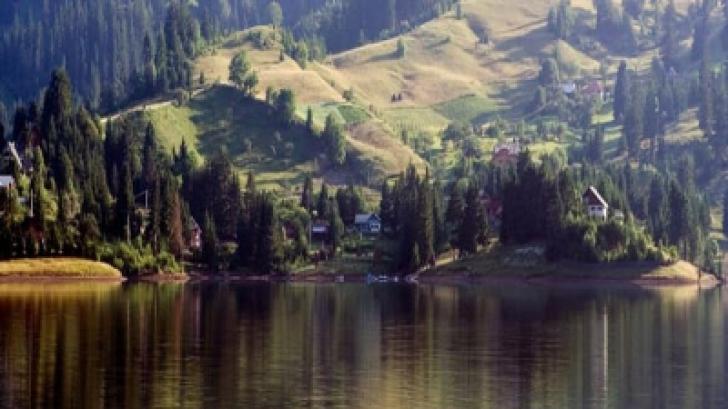 Marea dintre munţii din România, locul unde poţi respira cel mai curat aer din ţară