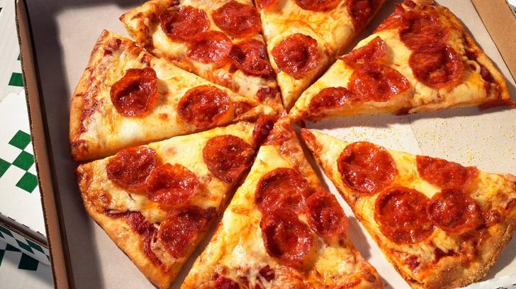 Această gravidă a mâncat o pizza la cină. A ajuns de urgenţă la spital. Descoperirea şoc a medicilor