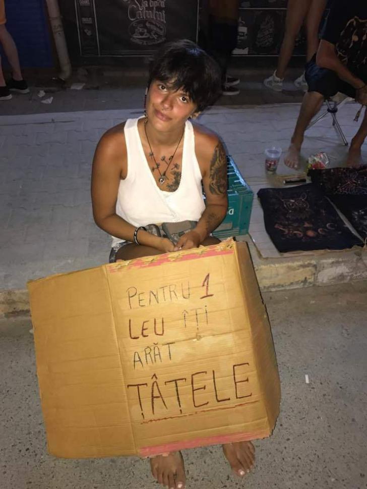 O femeie din Vama Veche i-a cerut 1 leu unui turist pentru a-i arăta sânii.Răspunsul a devenit viral
