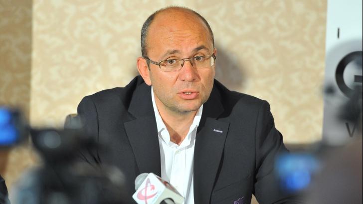 Cozmin Guşă: Generalul Vlad a vrut să facă ceva pentru România. Un om deosebit. Condoleanţe