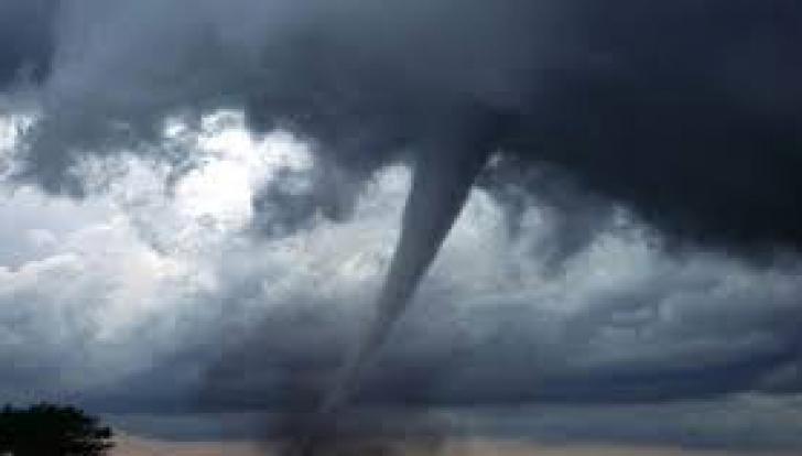 Furtuni violente în nodrul Italiei: Cel puţin patru morţi