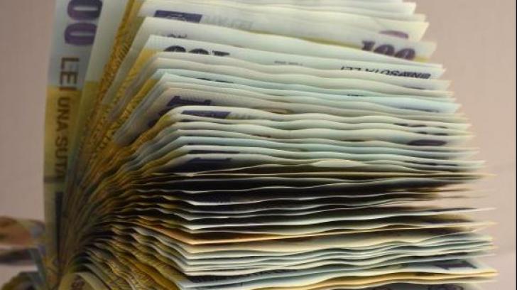 Guvernul dă lovitura la pensiile românilor. Contribuțiile la Pilonul II se suspendă din iulie