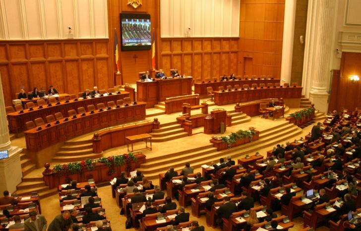 Începe sesiunea parlamentară de toamnă. Ce priorităţi au deputaţii şi senatorii