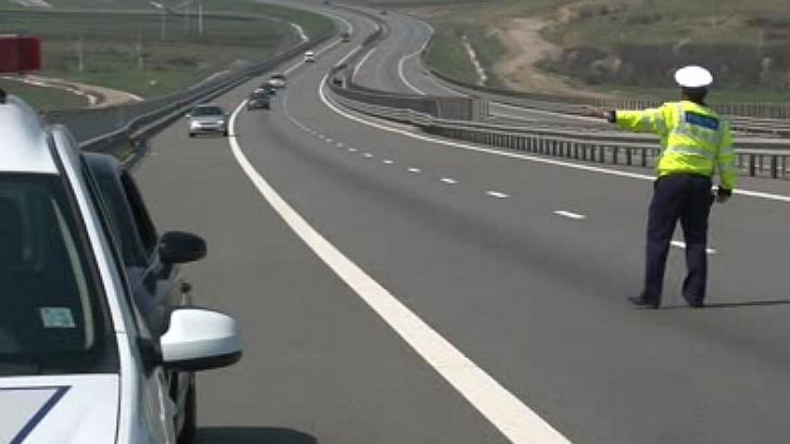 """ATENŢIE! Cum arată BMW-ul folosit ca """"momeală"""" de Poliţie, ca să acceleraţi şi să vă prindă radarul"""