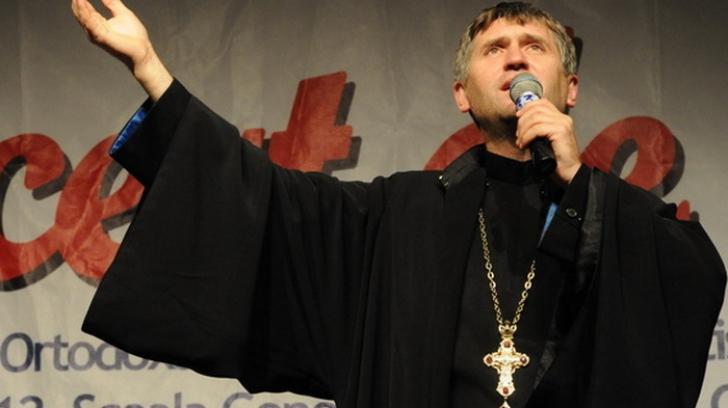 Cum se îmbracă acum fostul preot Cristian Pomohaci