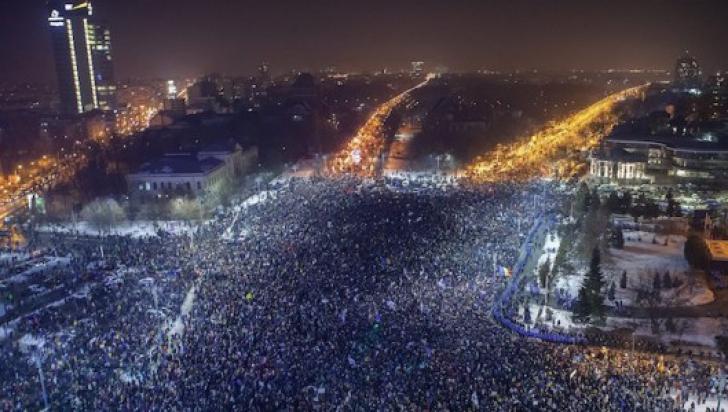 Protest în Piața Victoriei. 2.500 de oameni au strigat împotriva modificării legilor Justiției