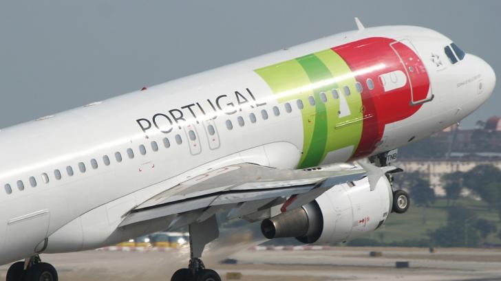 159 de români, blocaţi de 13 ore pe aeroportul din Lisabona: al doilea avion întârzie şi el