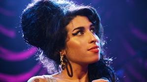 Amy Winehouse ar fi împlinit astăzi 34 de ani