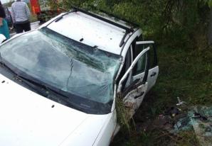 Accident ÎNFIORĂTOR, în drum spre nuntă! Maşina s-a făcut armonică! Victimele, 4 tinere