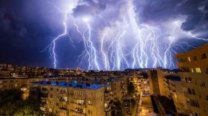 Atenţionare de ultimă oră de la meteo. Vine POTOPUL: Cod PORTOCALIU şi GALBEN de furtuni şi vânt