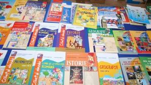 Ministrul Educaţiei: Anul trecut s-au vândut manuale auxiliare neautorizate