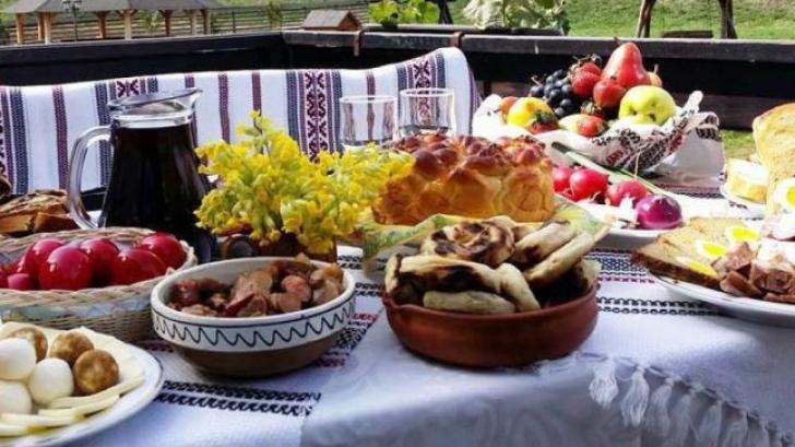 Propria bucătărie, punct de gastronomie locală. Legea care transformă gospodinele în amfitrioane
