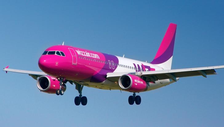 Bătaie ca în filme la bordul unui avion Wizz Air. Ce a decis pilotul?