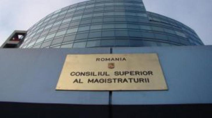 """""""Adevărata ştire de astăzi. 8 membri CSM au votat pentru subordonarea Justiţiei"""""""