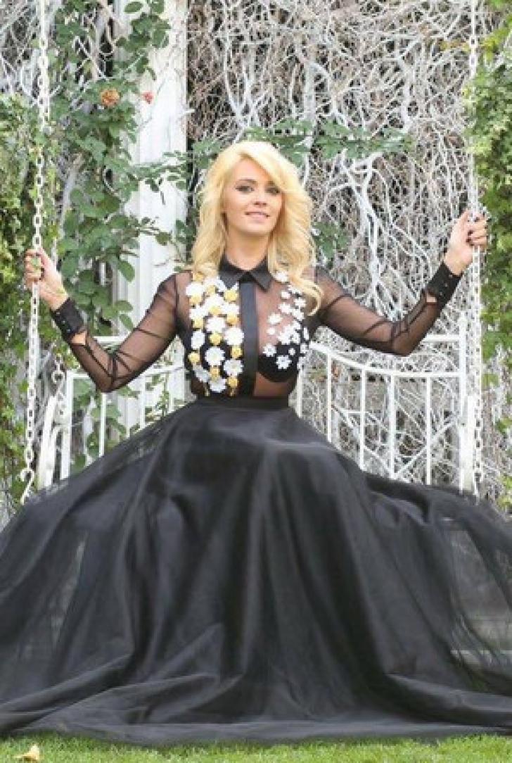 Diana Dumitrescu se căsătoreşte. Cum a fost cerută de soţie