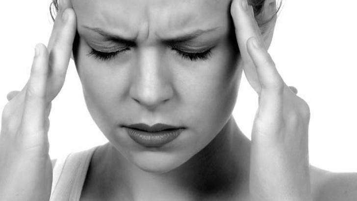 Medicii avertizează! Acest tip de durere de cap, cel mai comun simptom al unei tumori cerebrale