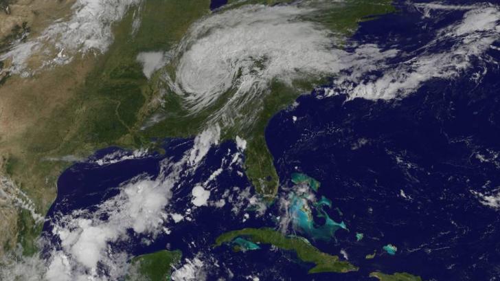 """Teorie EXPLOZIVĂ privind uraganul Harvey: """"Extratereștri..."""""""
