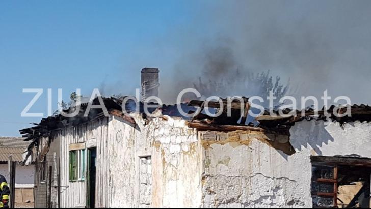 Incendiu în Medgidia. O casă în care se aflau COPII, mistuită de flăcări