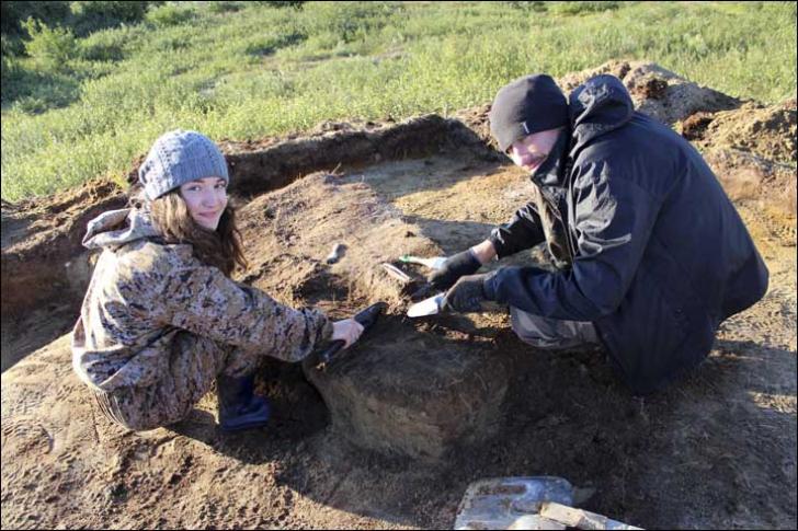 Rămășițele copilului zăceau lângă 2 cuțite și oase de animal. Descoperire stranie la capătul lumii