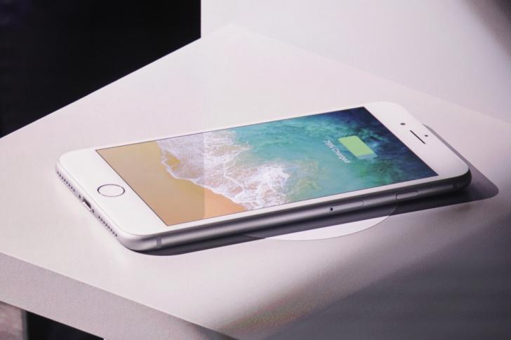 iPHONE 8 a fost lansat: Imagini cu cel mai nou telefon #iPhone 8. Surpriza este iPHONE X